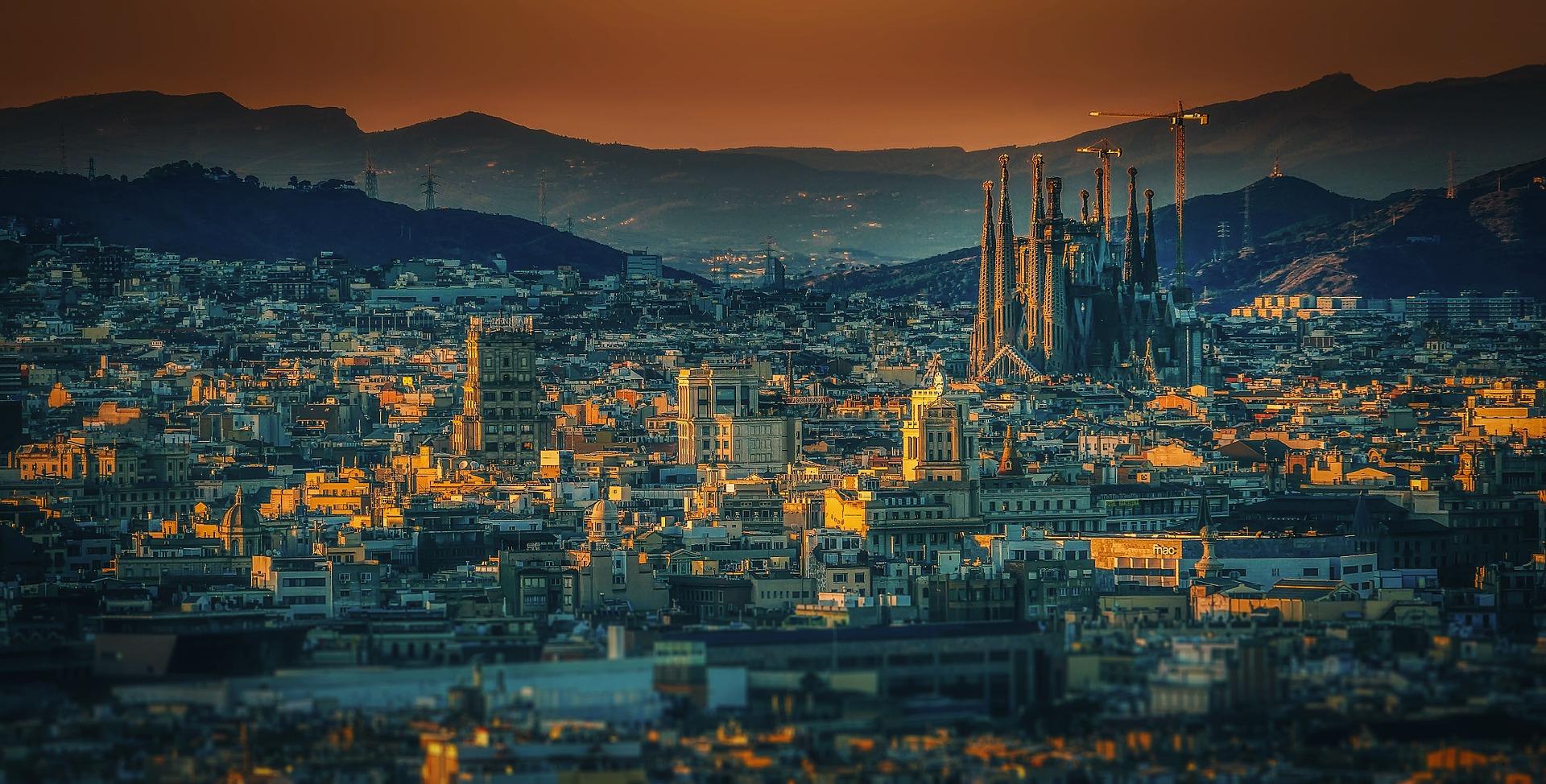 http://aktsa.org/img_2019/images/barcelona-3226639_1920.jpg
