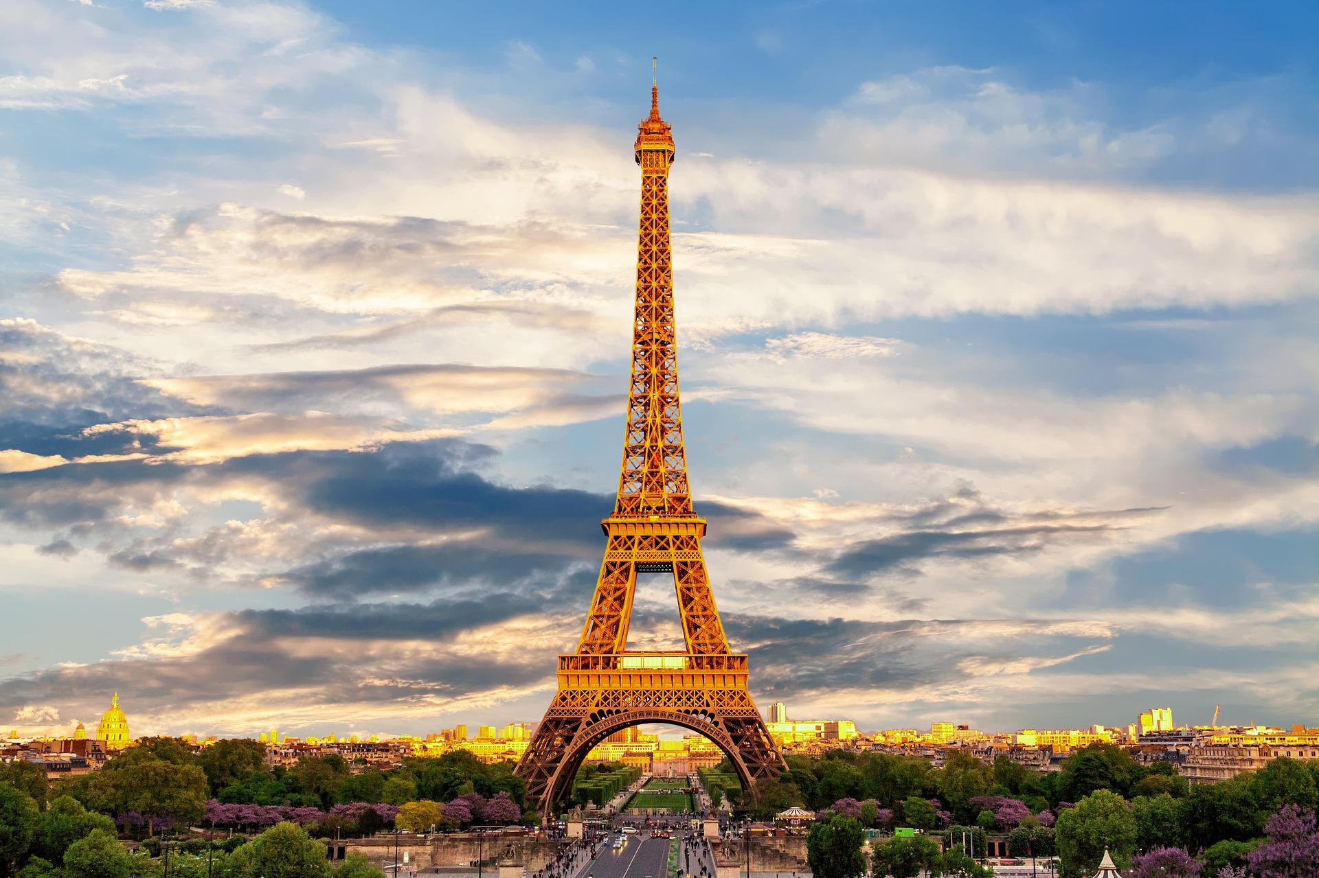 http://aktsa.org/img_2019/images/eiffel-tower-3349075_1920.jpg